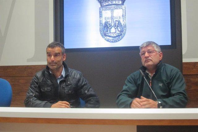 Los bomberos representantes de CSI, Miguel Ordóñez y Manuel Díaz.