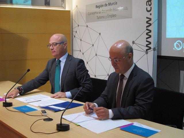 Andrés Carrillo y Juan Hernández, durante la rueda de prensa