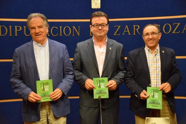 Oscar Flé, Luis Zubieta y Antonio Ferrer, este jueves en Zaragoza.