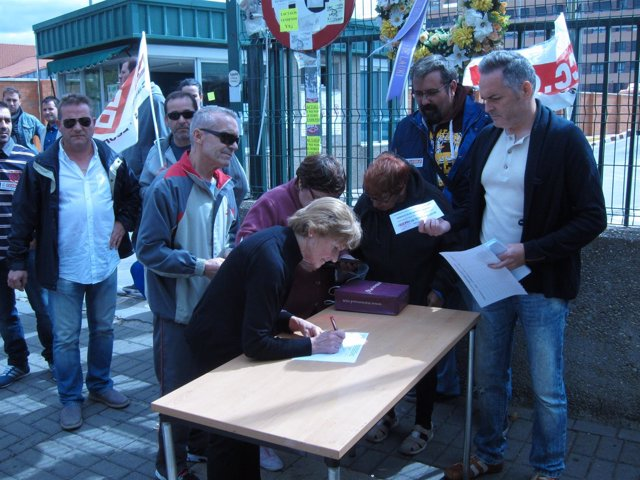 Recogida de firmas a favor de la continuidad de Lauki