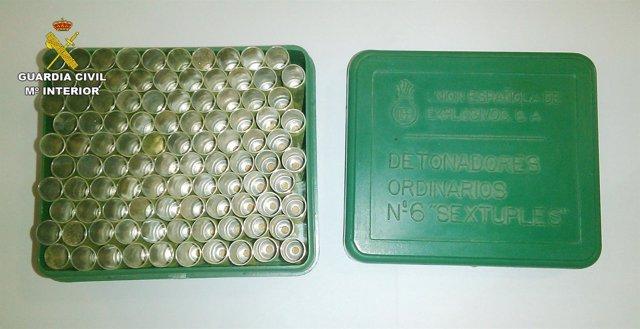 La Guardia Civil Desactiva Un Centenar De Detonadores Pirotécnicos