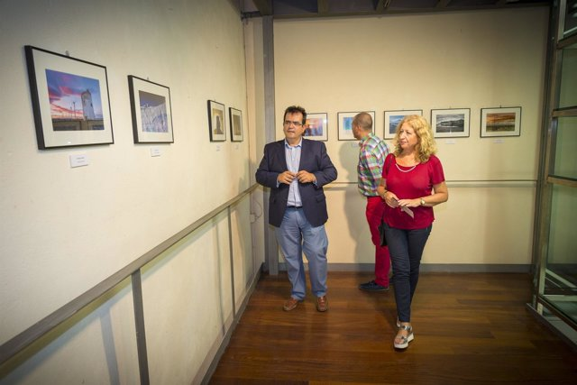 El diputado de Cultura ha inaugurado la exposición en Santa Fe de Mondújar.