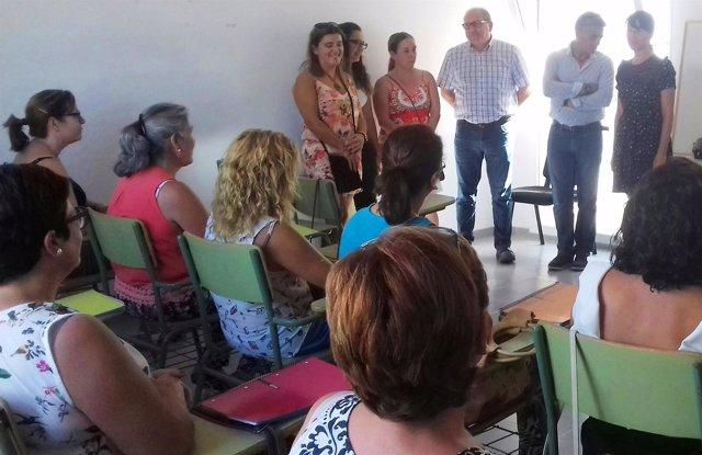 El curso de apoyo a domicilio se desarrolla en Huécija.