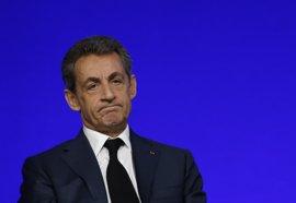 El apoyo a Sarkozy no baja a pesar de las acusaciones de corrupción