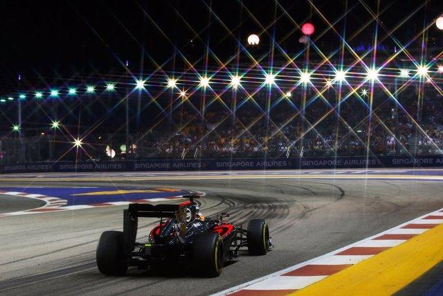 Fernando Alonso (McLaren) en el Gran Premio Singapur 2015