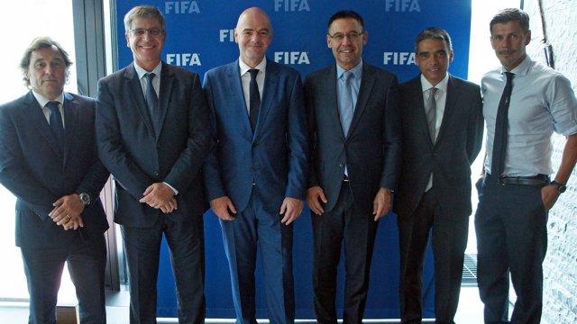 Bartomeu visita la sede de la FIFA con Infantino