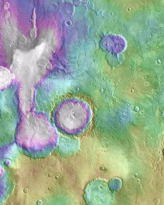 Rastros de corrientes en un valle marciano