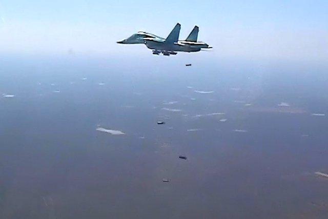 Avión  ruso bombardea a Estado Islámico en Siria