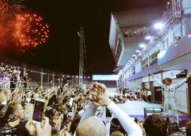 Rosberg reina en la noche de Singapur y recupera el liderato; Alonso, séptimo