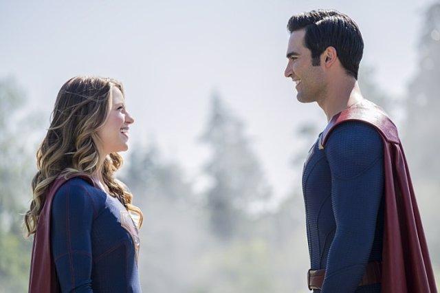 Supergirl y Superman en la 2ª temporada de Supergirl