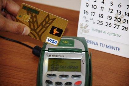 El 51% de los españoles querría utilizar la huella digital o el iris para identificarse al pagar, según Visa