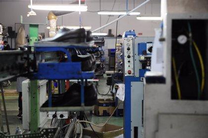 La facturación de la industria retrocede un 9,3% en julio y los pedidos se hunden un 14,1%