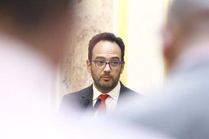 """El PSOE, """"dispuesto a dialogar"""" medidas económicas urgentes pero pide incluir a más grupos"""