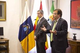 Vara y Clavijo piden a Rajoy una reunión urgente de presidentes autonómicos
