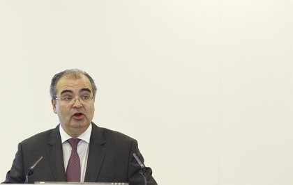 """Ron (Popular) pide que la regulación """"no aniquile"""" a los bancos medianos supervivientes de la crisis"""