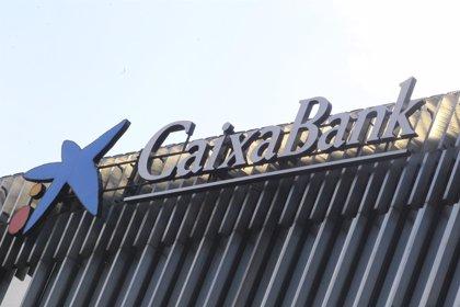 La CNMV suspende la cotización de Caixabank