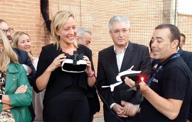 Marta Gastón inaugura la segunda edición de Expodrónica.