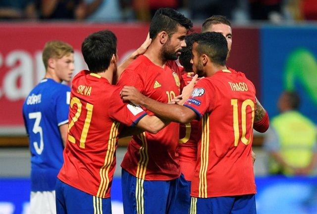 Diego Costa marca en el España-Liechtenstein en León