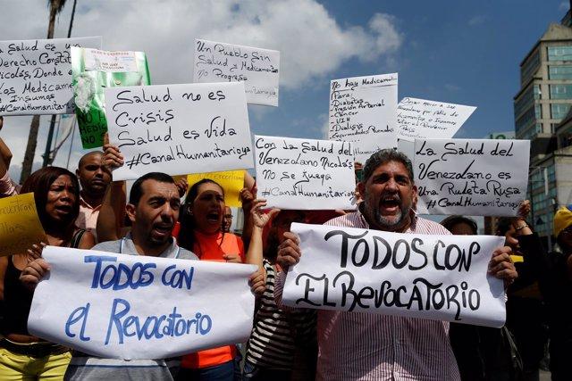 Manifestación a favor del revocatorio contra Maduro