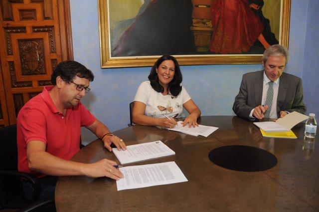 La Diputación de Córdoba invierte en el parque de Bomberos de Puente Genil