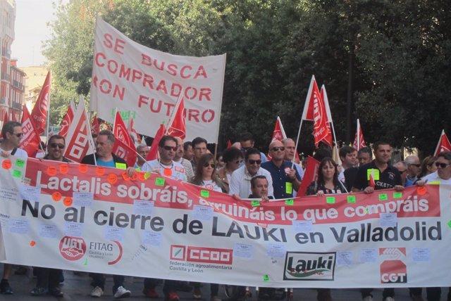 Manifestación para defender el mantenimiento de la actividad industrial en Lauki