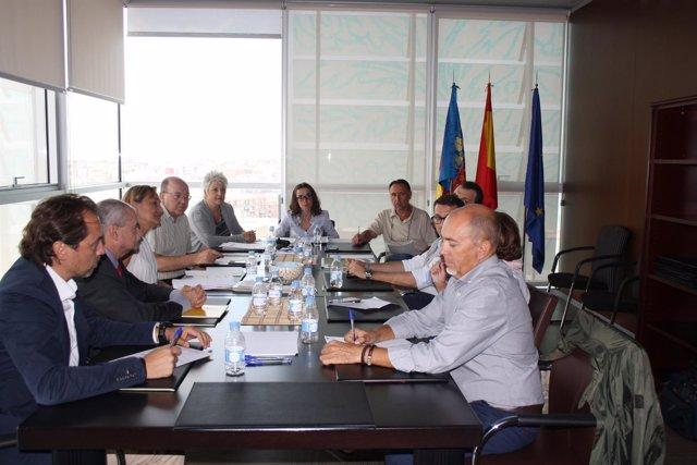 Sandra Casas traslada a representantes de AERTE el  plan para enfemos tutelados