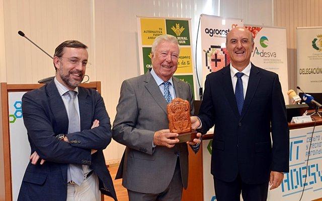 Reconocimiento en Agrocosta para el presidente de Fundación Caja Rural del Sur
