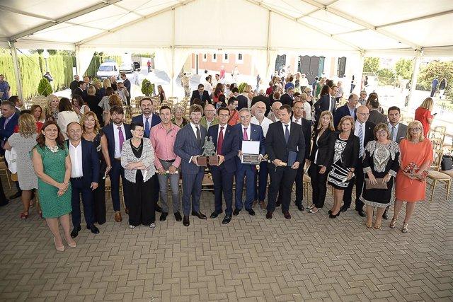 Entrega del premio de prestigio turístico del Ayuntamiento de Granada