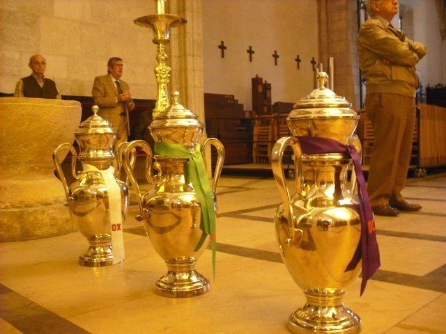 Objetos Religiosos En Una Iglesia