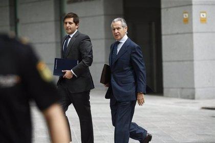 El juicio por las tarjetas 'black' arranca hoy contra 65 exdirectivos de Caja Madrid y Bankia