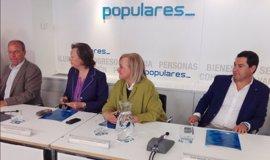 """Fernández (PP) pide al PSOE que asuma la oposición en España y deje de """"marear la perdiz"""""""