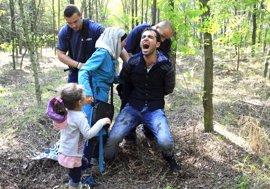 Persecuciones con perros y agresiones: las tácticas de Hungría contra los refugiados