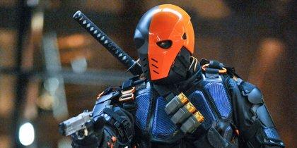 Arrow: Stephen Amell desvela el regreso de Deathstroke en el capítulo 100
