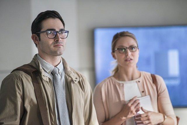 Clark Kent y Kara Danvers en la 2ª temporada de Supergirl