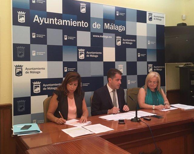Gemma del Corral, Carlos Conde y Francisca Bazalo en rueda de prensa