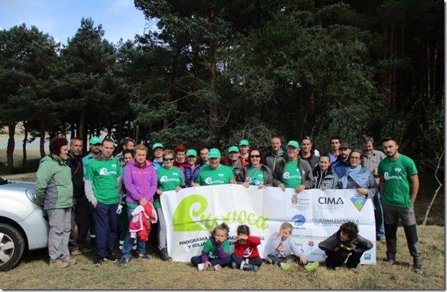 Voluntarios de PROVOCA en la actividad del Pantano del Ebro