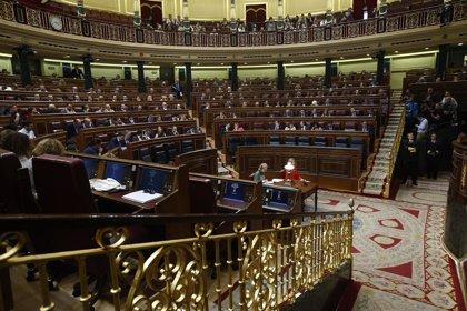 PSOE y Podemos rechazan en el Congreso las medidas de empleo del PP