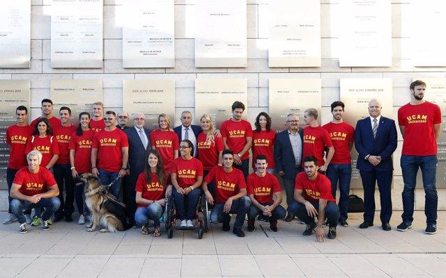 Homenaje a los medallistas olímpicos y paralímpicos de la UCAM-COE