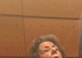 Una senadora de Podemos publica una foto de Barberá dormida en el Senado