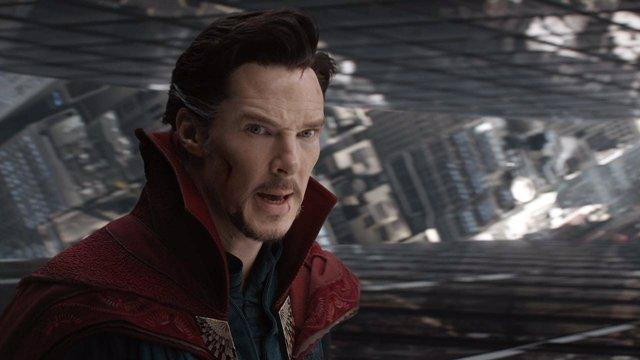 Benedict Cumberbatch es Doctor Extraño