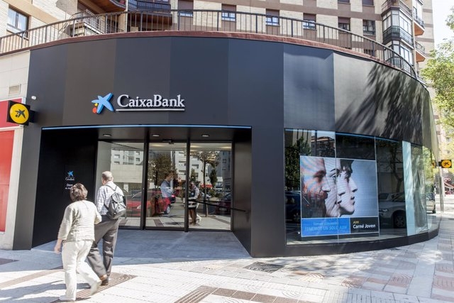 Oficina Store de CaixaBank.
