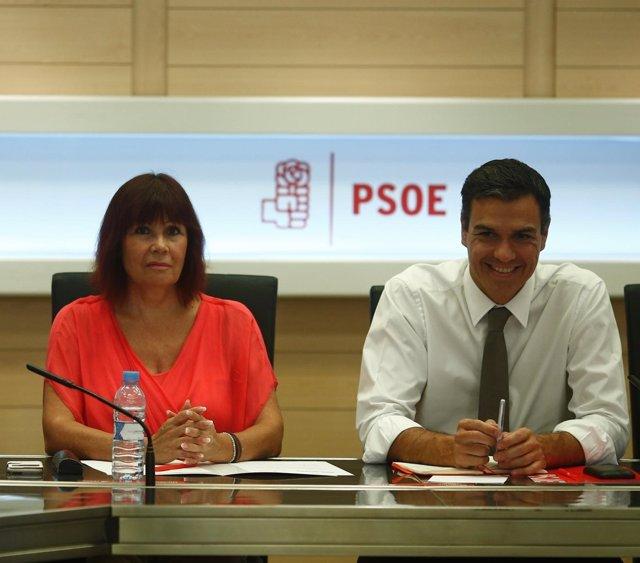 Los socialistas Micaela Navarro y Pedro Sánchez