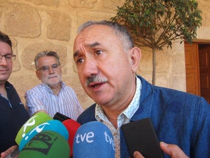"""Álvarez (UGT) avisa a la CEOE de que moderar salarios """"no es congelarlos"""""""