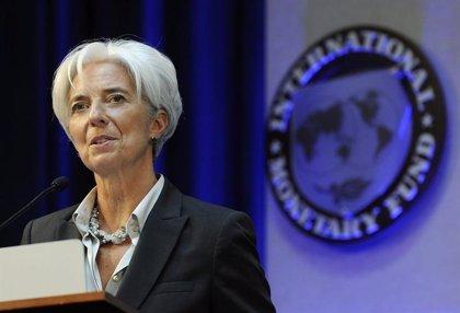 """Lagarde (FMI) dice que la política monetaria en las economías avanzadas """"necesita seguir siendo expansiva"""""""