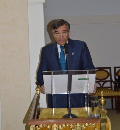 """El presidente de COFM defiende el papel del farmacéutico como agente de salud """"más allá del tratamiento"""""""