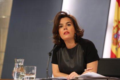 Santamaría dice que los trabajos para pactar medidas económicas con la oposición van bien