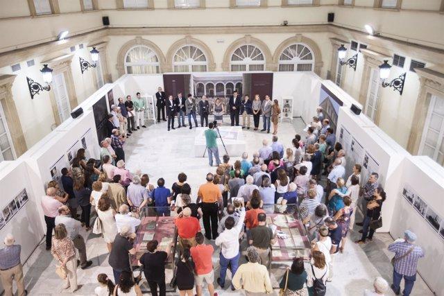 Inauguración de la muestra sobre el Hospital Provincial en el Patio de Luces