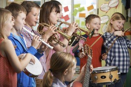Todos los beneficios de aprender a tocar un instrumento