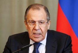 Lavrov niega que Rusia use en Siria armas prohibidas y acusa a EEUU de proteger a Al Nusra