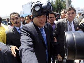 """Correa conmemora que hace seis años """"triunfó la democracia"""" en Ecuador"""